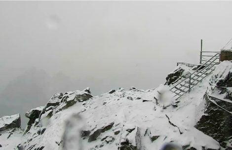 W Tatrach już biało! Nadal sypie i sypać będzie (ZDJĘCIA)