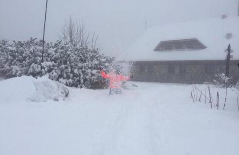 W Dolinie Pięciu Stawów śniegu po pas!