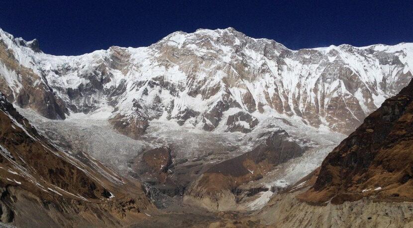 Lawina spadła na obóz w Himalajach. Siedem osób zaginionych