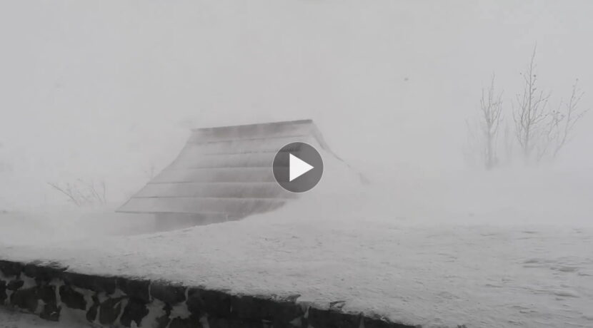 Ekstremalne warunki w Tatrach. Tak wieje dziś w Dolinie Pięciu Stawów Polskich (FILM)