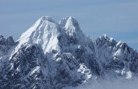 Ratownicy przetransportowali ciało 53-latka, który zginął w niedzielę w Tatrach