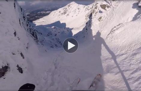 Na nartach z Orlej Perci. Tak wygląda zjazd żlebem Honoratka (FILM)