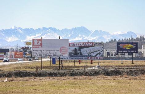 Gdzie są góry? Na Zakopiance widoki zasłania ponad…1000 reklam!