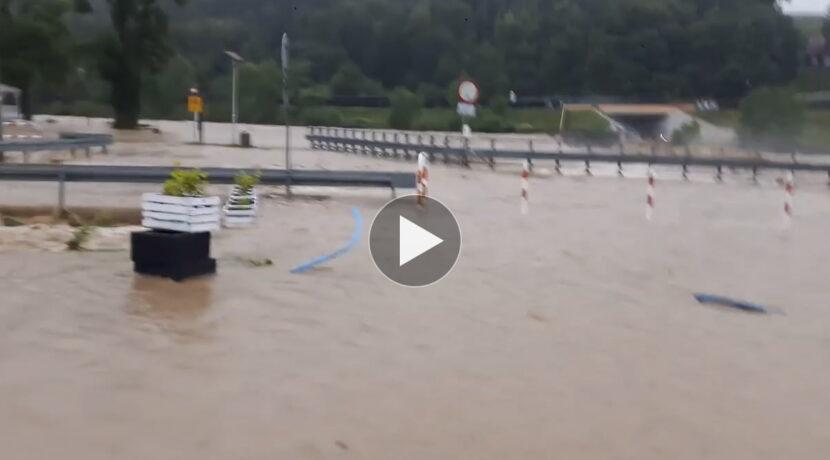 Najwyższy alert dla południowej Polski! Kolejne bardzo silne opady
