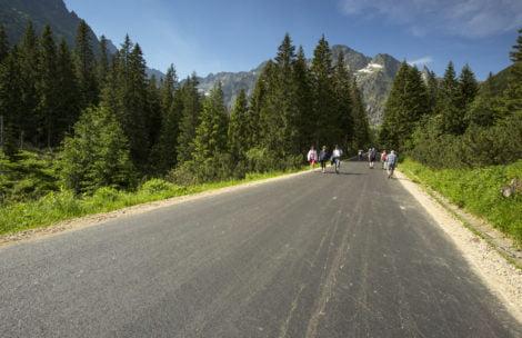 Tak wygląda nowy asfalt na drodze do Morskiego Oka (ZDJĘCIA)