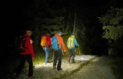 Nocne poszukiwania turysty. Poszedł na Rysy bez światła i telefonu