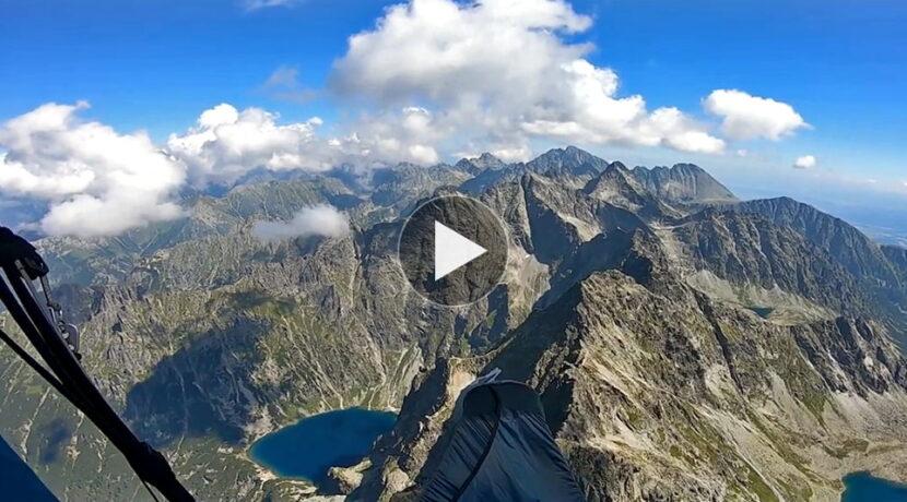 Widoki, które naprawdę zapierają dech w piersiach. Paralotnią nad Tatrami Wysokimi (FILM)