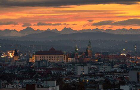 Kraków i Tatry o zachodzie słońca – jak powstało dzisiejsze zdjęcie? Oto relacja autora