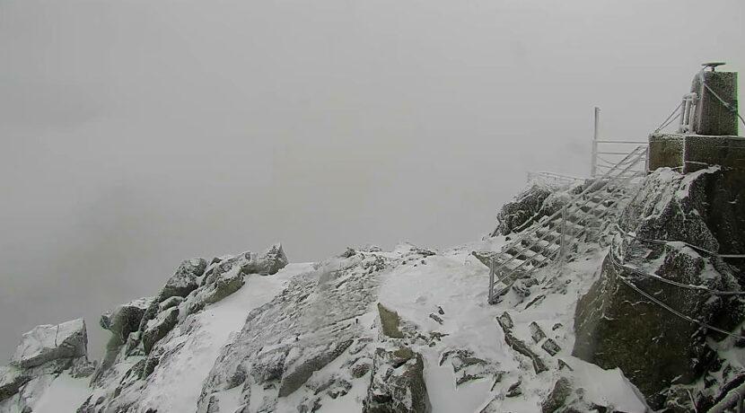 W Tatrach spadł śnieg! Idą srogie mrozy, to chyba początek zimy