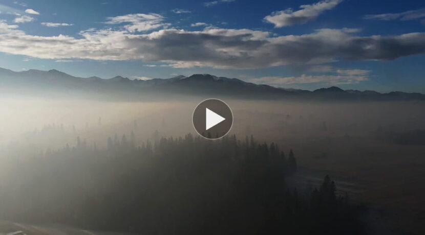 Podhale tonie w smogu. Tak wyglądał z góry dzisiejszy poranek (FILM)