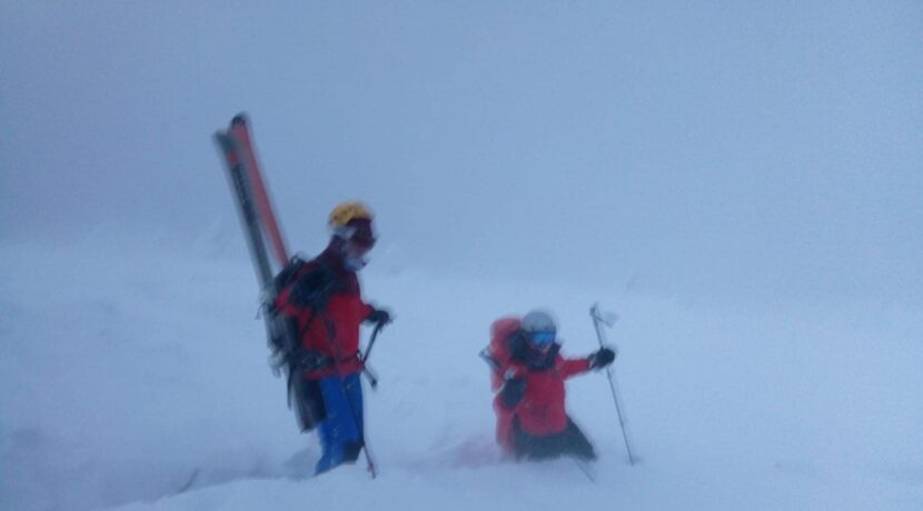 Babia Góra: turystka ruszyła na szczyt w samej bieliźnie, leżała na śniegu z głęboką hipotermią