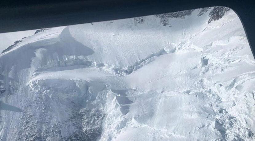 K2: Śmigłowce wzniosły się na wysokość 7800 m. Nie ma śladu zaginionych