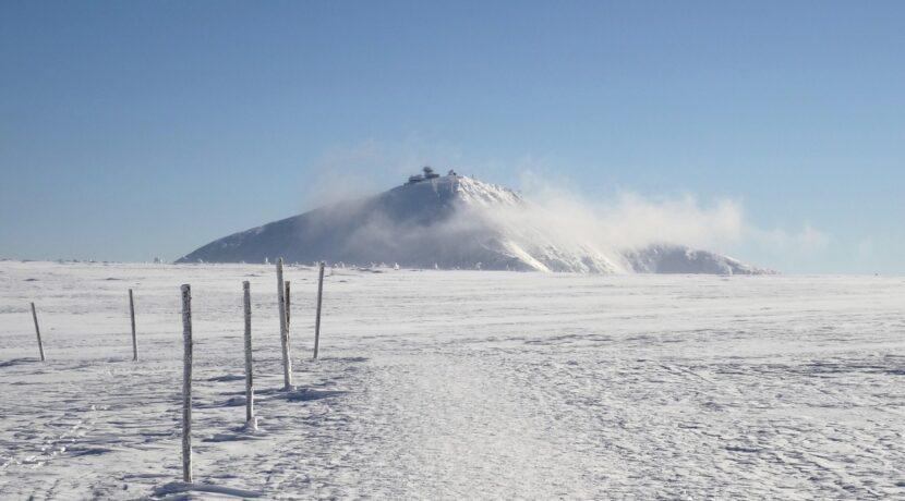 Karkonosze: w Białym Jarze zeszła duża lawina