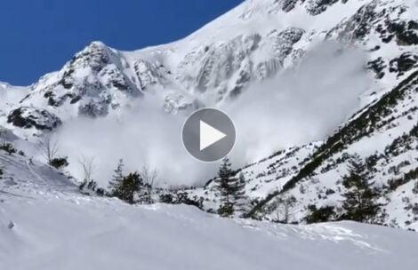 Dzisiejsza lawina w Dolinie Roztoki (FILM)