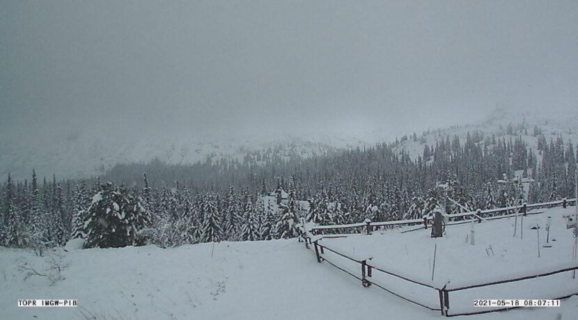 W Tatrach biało! Połowa maja, a zima nie odpuszcza