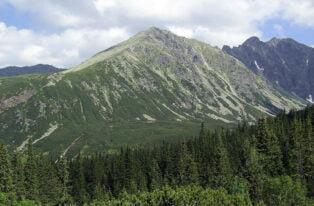 Ludzkie szczątki w Tatrach. Natrafiono na but i kości
