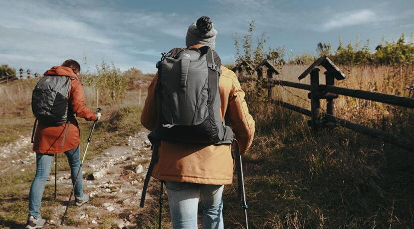 Dlaczego na tatrzańskich szlakach warto używać kijów trekkingowych?